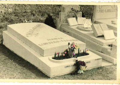 monument-funeraire-vintage-11