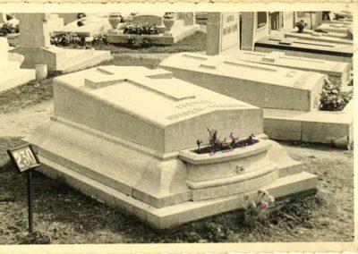 monument-funeraire-vintage-15