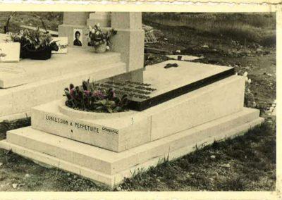 monument-funeraire-vintage-7