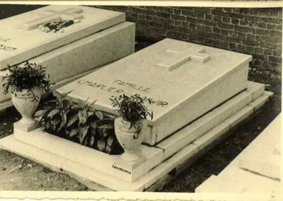 monument-funeraire-vintage-8