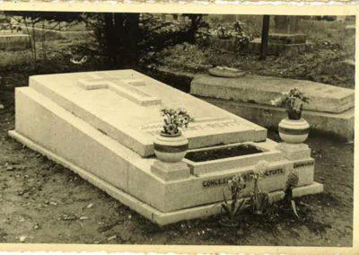 monument-funeraire-vintage-9