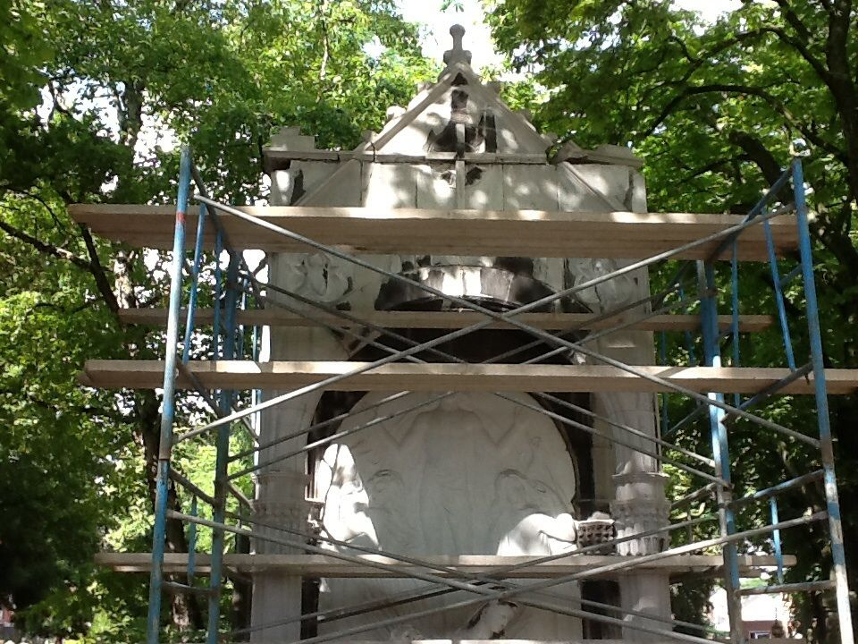 Restauration de monuments funéraires à Liège