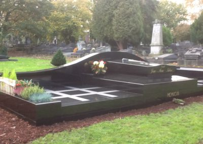 Création de monuments funéraires à Liège