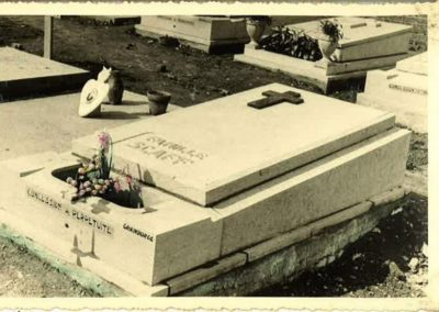 Monument funéraire à Liège ancien