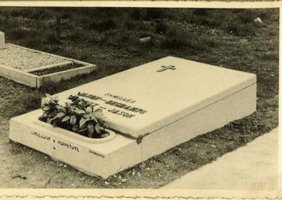 Monument funéraire à Liège style vintage