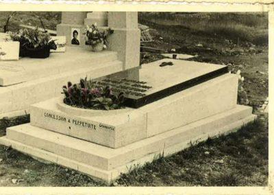 Monument funéraire ancien à Liège