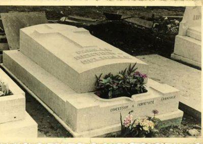 Monument funéraire ancien Liège
