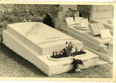 Monument funéraire Liège ancien