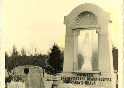 Monument funéraire Liège ancien vintage