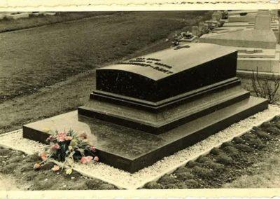 Monument funéraire vintage à Liège