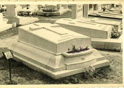 Monuments funéraires Liège anciens