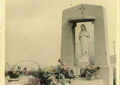 Monuments funéraires vintage à Liège